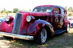 '36 Studebaker Preseident. Similar to my old street rod