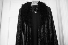 VINTAGE BLACK EVENING Coat fluffy collar and by blingblingfling