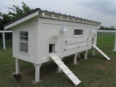 fox-free chicken coop, put on wheels and you can move it around the pasture!
