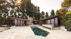 Designed by Aaron Green, a protégé of Frank Lloyd Wright.