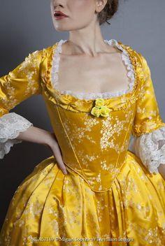 Miguel Sobreira - WOMAN IN HISTORICAL DRESS - People - Women