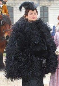 """Déborah Bloch as Duchess Úrsula Catarina D'Ávila e Seráfia in brazilian novel """"Cordel Encantado"""" (2011)."""