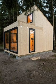 Woody 15, a simple cabin for a simple pleasure: watching the landscape