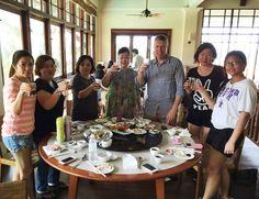 BellaVita University - Malaysia (Manager Camp), leaders with CEO and Co-Founder Mike Brosnan. 美立維大學 - 馬來西亞 (經理促銷秘訣訓練課程),領袖跟行政總裁兼聯合創始人麥克‧布魯斯南。