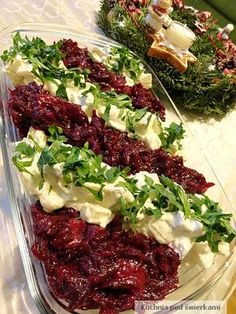 Świąteczna sałatka śledziowa +walnuts in beetroots +raisins in herring My Favorite Food, Favorite Recipes, Salad Recipes, Healthy Recipes, Fish And Seafood, Polish Recipes, Healthy Lifestyle, Good Food, Appetizers