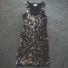 Taylor Swift inspired sequin dress I got this dress for prom in high school and haven't found any other time to wear it. Very similar to dresses Taylor Swift has worn in the past. Macy's Dresses Mini