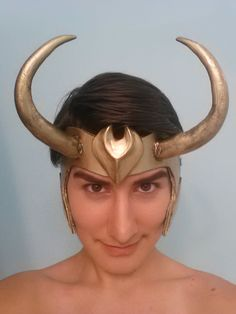 Loki: Agent of Asgard Horns Tutorial Loki Costume, Loki Cosplay, Cosplay Armor, Cosplay Costumes, Cosplay Ideas, Costume Ideas, Craft Foam Armor, Loki Helmet, Renaissance Fair Costume