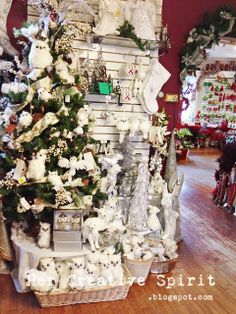 A White Owl Christmas Tree |Her Creative Spirit: The Christmas Cottage