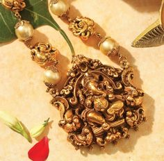 Markings For Gold Jewelry Key: 2787824528 Antic Jewellery, Gold Temple Jewellery, Bead Jewellery, Beaded Jewelry, Gold Bangles Design, Gold Jewellery Design, Ganesh Pendant, Jewellery Sketches, Golden Jewelry