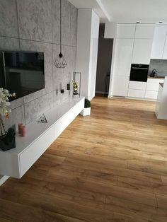 Podłoga dąb miętowy, ściana beton, szafka biała. Inspiracja najbliższą moim oczekiwaniom Tile Floor, Diy And Crafts, Sweet Home, Bathtub, Flooring, Bathroom, Interior, Standing Bath, Washroom