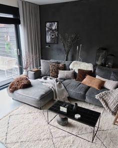 Home interior Design Videos Living Room Hanging Plants Link – Right here are the best pins around Coastal Home interior! Modern House Design, Home Design, Home Interior Design, Interior Sketch, Home Living Room, Living Room Designs, Living Room Decor, Living Room Ideas Small Apartment, Winter Living Room