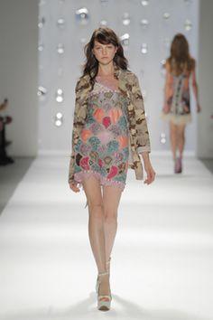 Moda España >> Mujer >> Custo Barcelona