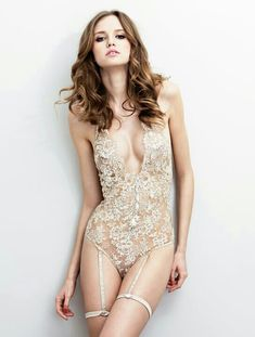 Vintage lingerie - The thought of a second hand gusset makes me want to puke but I love this <3