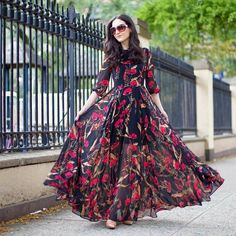Here are the latest Pakistani fashion dresses 2020 for you personally, this frock collection is about best fashion wedding frocks styles in Pakistan. Long Gown Dress, Maxi Gowns, Saree Dress, Dress Up, Pakistani Maxi Dresses, Dress Girl, Frock Design, Indian Designer Outfits, Designer Gowns