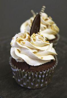 Une petite recette de cupcakes réalisés en atelier le mois dernier. Assez automnal mais très gourmands :) La recette de base est différente...