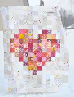 low volume background  love how it makes the colors POP  a crafty fox | #quilt #heart #patchwork