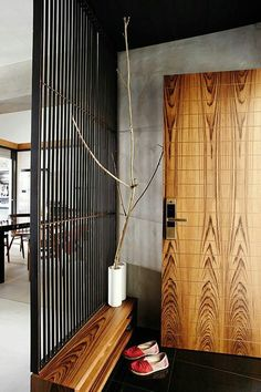 how to jazz up the entrance of your flat home amp decor Entrance Design, House Entrance, Entrance Doors, Doorway, Home Interior Design, Interior Architecture, Interior Decorating, Design Entrée, House Design