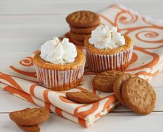 Pumpkin Cheesecake w/ Maple Whipped Cream (4 Muffins)