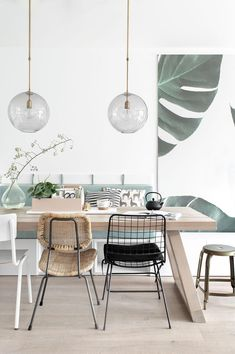 winter scandinavian minimal interior decor 2018 Check out these winter scandinavian interior design inspirations for your house. Scandinavian decor is still so trendy these days and for winter I find that it makes your house very clean cozy and … Dining Room Wall Decor, Decoration Bedroom, Dining Room Design, Room Decorations, Lounge Decor, Scandinavian Interior Design, Home Interior, Interior Decorating, Decorating Ideas