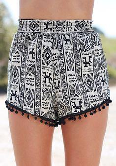 Pom Pom Aztec - Shorts i neeed this one