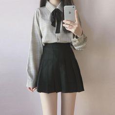 Long sleeve with black pleated skirt vestido kawaii, moda kawaii, ropa casu Korean Fashion School, Korean Fashion Teen, Korean Street Fashion, Ulzzang Fashion, Japanese Fashion, Korea Fashion, Kawaii Fashion, Cute Fashion, Fashion Outfits