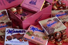 Variety of Manner Schnitten chocolate wafers and Mozart balls. Yes - Mozart balls! Vienna Waits For You, Vienna Food, Chocolate Wafers, Heart Of Europe, Vienna Austria, Pampered Chef, Manners, Lonely Planet, My Favorite Food