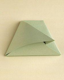 折り紙で作るシンプルでオシャレな席札&メニュースタンド Menu Holders, Kids Decor, Table Settings, Display, Hobby, Wedding, Design, Valentines Day Weddings, Christmas Origami