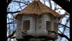 Feeder made of plastic bottles. Feeder made of plastic bottles. Diy Home Crafts, Garden Crafts, Garden Projects, Garden Art, Art Projects, Bird Feeder Craft, Bird House Feeder, Plastic Bottle Crafts, Plastic Bottles