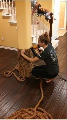 Boat rope wrapped column Daddy this will be me because you taught me how to use power tools! is part of Beach house decor - Lake Decor, Coastal Decor, Nautical Decor Ideas, Nautical Porch Decor, Nautical Furniture, Nautical Lighting, Beach House Decor, Diy Home Decor, Boat Rope