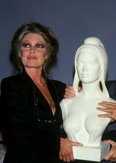 buste marianne brigitte bardot - Google zoeken