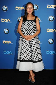 Kerry Washington in an Oscar de la Renta dress, Martin Katz jewelry, and Christian Louboutin shoes The Scandal actress swept through awards season in frocks by Prada and Oscar de la Renta, retaining her usual whimsical approach to fashion with charming prints and fit-and-flare silhouettes, all of which bodes well for the future of her on-screen character, Olivia Pope.