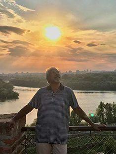 Mani Ratnam in Chekka Chivantha Vaanam Mani Ratnam, Actor Photo, Natural Beauty, Cinema, Mens Fashion, Actors, Film, Board, Casual