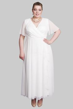 969dd20870a45 18 Best Affordable and Alternative Plus Size Wedding Dresses images ...