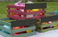 cajas de madera, huacales de colores, para guardar juguetes, ropa, fruta, etc, caja con pizarrón para identificar contenido, algreca.com