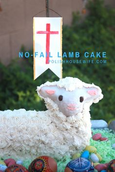 Try my favorite pound cake recipe for a no-fail Easter lamb cake, part of any Polish Easter celebration, a centerpiece and dessert all in one! Easter Dinner, Easter Brunch, Polish Easter, Fluffy Mashed Potatoes, Polish Recipes, Polish Desserts, Polish Food, Easter Lamb, Kid Desserts