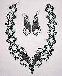 Exclusive sets with a leather, lace frivolite:: A lace frivolite of Elena Ignatova, master of folk creation, Ukraine, Kharkov :: Jewellery knot shuttle lace of frivolite (schiffchenspiize), ear-rings, bangles, necklace, natural stone and skin with a lace, style The Gothic Black-art