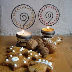 svícen s korálky / Zboží prodejce Drátule   Fler.cz Christmas Crafts For Gifts, Craft Gifts, Wire Tutorials, Wire Art, Garden Art, Wire Wrapping, Candle Holders, Wraps, Creative