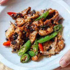 Quick and easy pork slice stir-fried with black bean sauce Baked Chicken Recipes, Pork Recipes, Asian Recipes, Cooking Recipes, Healthy Recipes, Chinese Recipes, Oven Chicken, Boneless Chicken, Keto Chicken