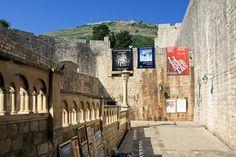 #Dubrovnik - #Croácia, cidade de medieval rodeada de muralhas. É um dos lugares mais apreciados na zona do Mar #Adriático, pela paisagem natural e arquitectura