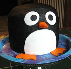penguin! I would LOVE to make this...