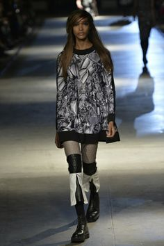 """""""Giles Ready To Wear Fall Winter 2014 London - NOWFASHION"""" ugh...are those even shoes?"""
