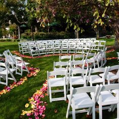 Pickwick Gardens. Outdoor wedding. Circle of love!