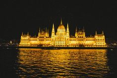 10 Reasons to fall IN LOVE with Budapest