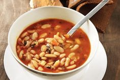 The traditional Greek bean soup recipe (Fasolada)
