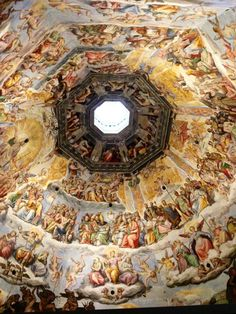 Cattedrale di Santa Maria del Fiore in Firenze, Toscana - Designed by Arnolfo di Cambio at the end of the 13th century, the Cathedral's trademark dome is now the symbol of Florence.