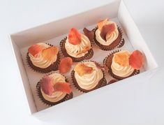 #thanksgivinggiftideas #thanksgivingcupcakes Thanksgiving Cupcakes, Thanksgiving Gifts, Couture Cakes, Beautiful Cakes, Catering, Special Occasion, Wedding Cakes, Party, Wedding Gown Cakes