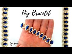 Video Tutorial: Blue Royal Princess Bracelet by Easy Beading Creations on YouT . Beaded Bracelets Tutorial, Handmade Bracelets, Macrame Tutorial, Loom Bracelets, Macrame Bracelets, Friendship Bracelets, Beaded Jewelry Patterns, Bracelet Patterns, Armband Tutorial