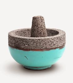 We should have these as display pieces and paint them in our colors (alternating designs). add cactus to them Modern Shabby Chic, Shabby Chic Homes, Modern Decor, Kitchen Tools And Gadgets, Mortar And Pestle, Clay Projects, Healthy Cooking, Kitchen Design, Pottery