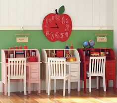 when I homeschool, I want to have a separate room just for school- this would be pretty cool! :)