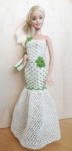Puppenkleidung - Barbie/Steffi Kleid (gehäkelt), hellbeige/olivgrün - ein Designerstück von Anna-Tim bei DaWanda